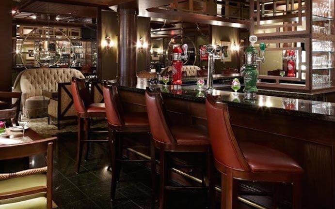 Bar-Restaurant-Chateau-Champlain