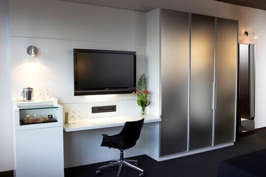 Bureau-chambre-Hotel-Le-Germain