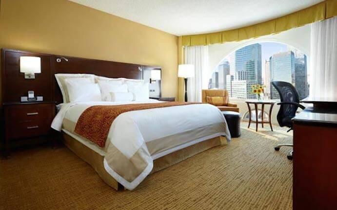 Marriott ch teau champlain hotel in montreal for Chambre de la jeunesse montreal