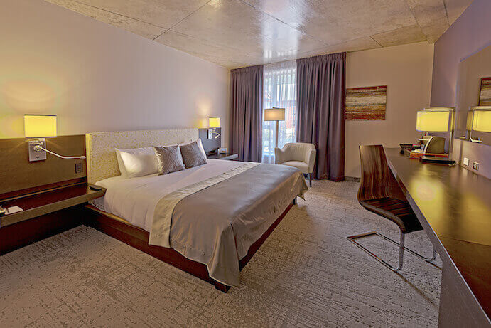 H tel 10 montr al hotel in montreal for Chambre de la jeunesse montreal