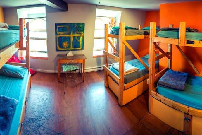 Auberge alternative montr al hotel in montreal for Chambre de la jeunesse montreal