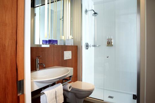 Salle-de-bain-ALT-Hotel-Griffintown