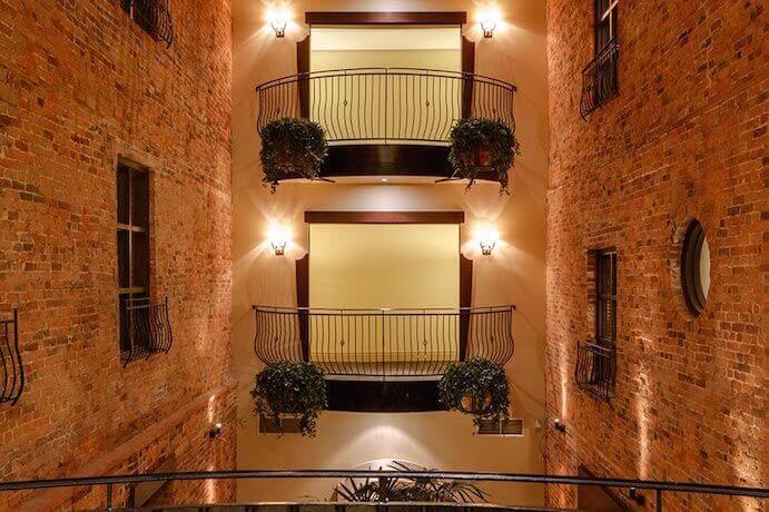 hotel-nelligan-int