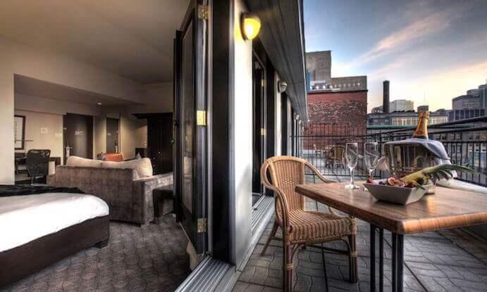 hotel-place-d-arme-patio
