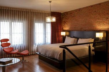 le-petit-hotel-montreal