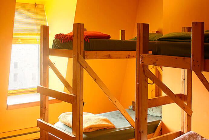 lits-dortoir-orange
