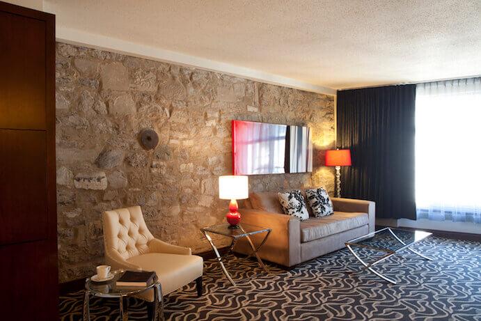 mur-pierre-hotel-saint-sulpice