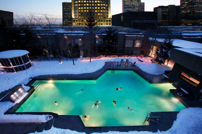 swimming-pool-winter-hilton-montreal