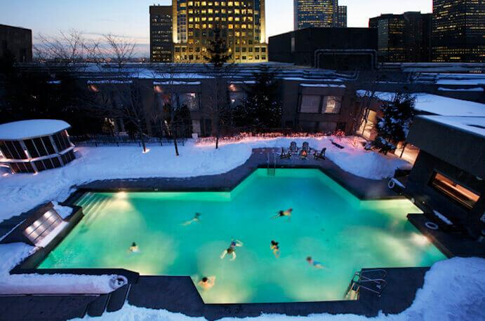 swimming-pool-winter-hilton-montreal