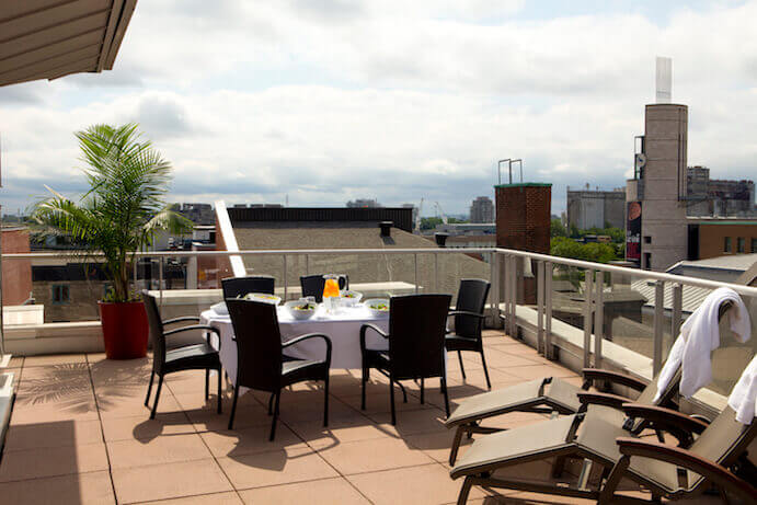 terrasse-executive-hotel-saint-sulpice
